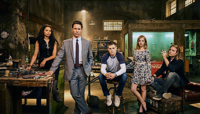 cast of Travelers season 2