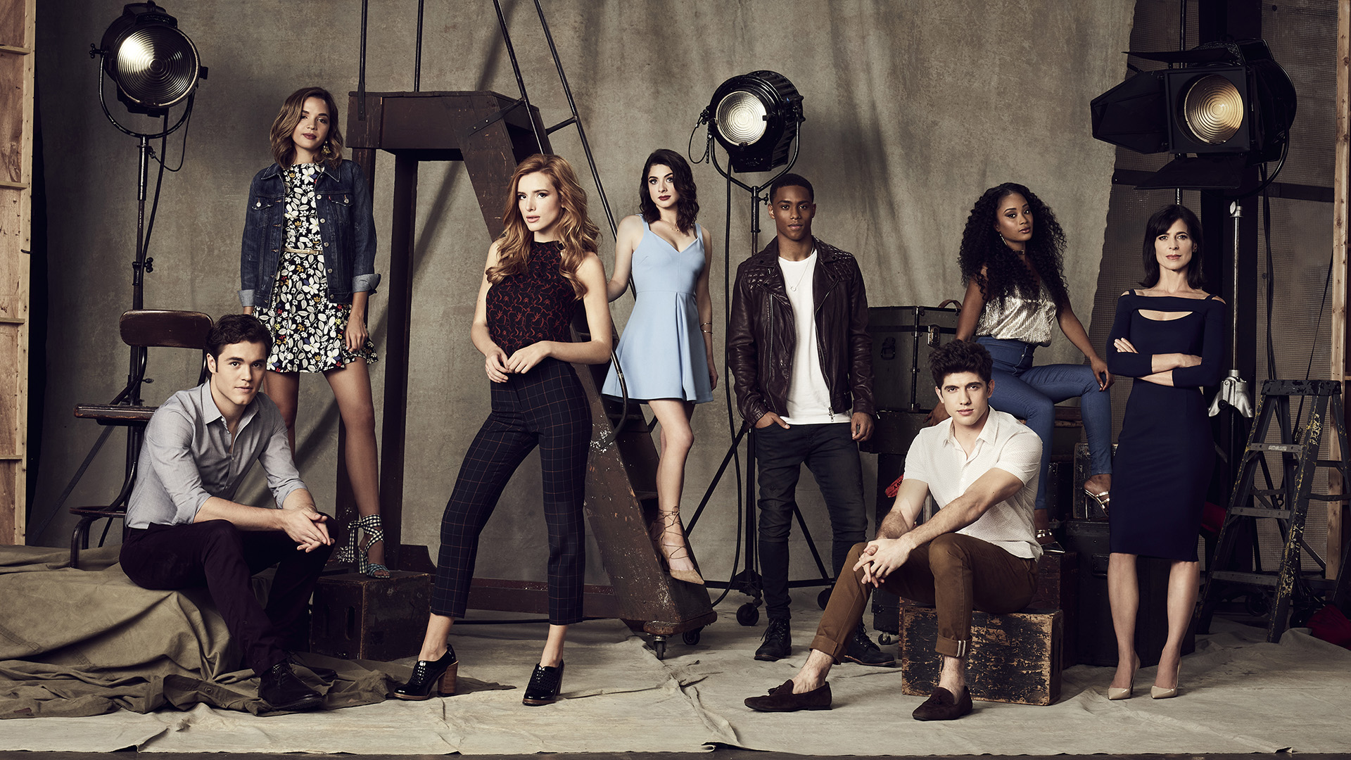 when does Famous In Love return