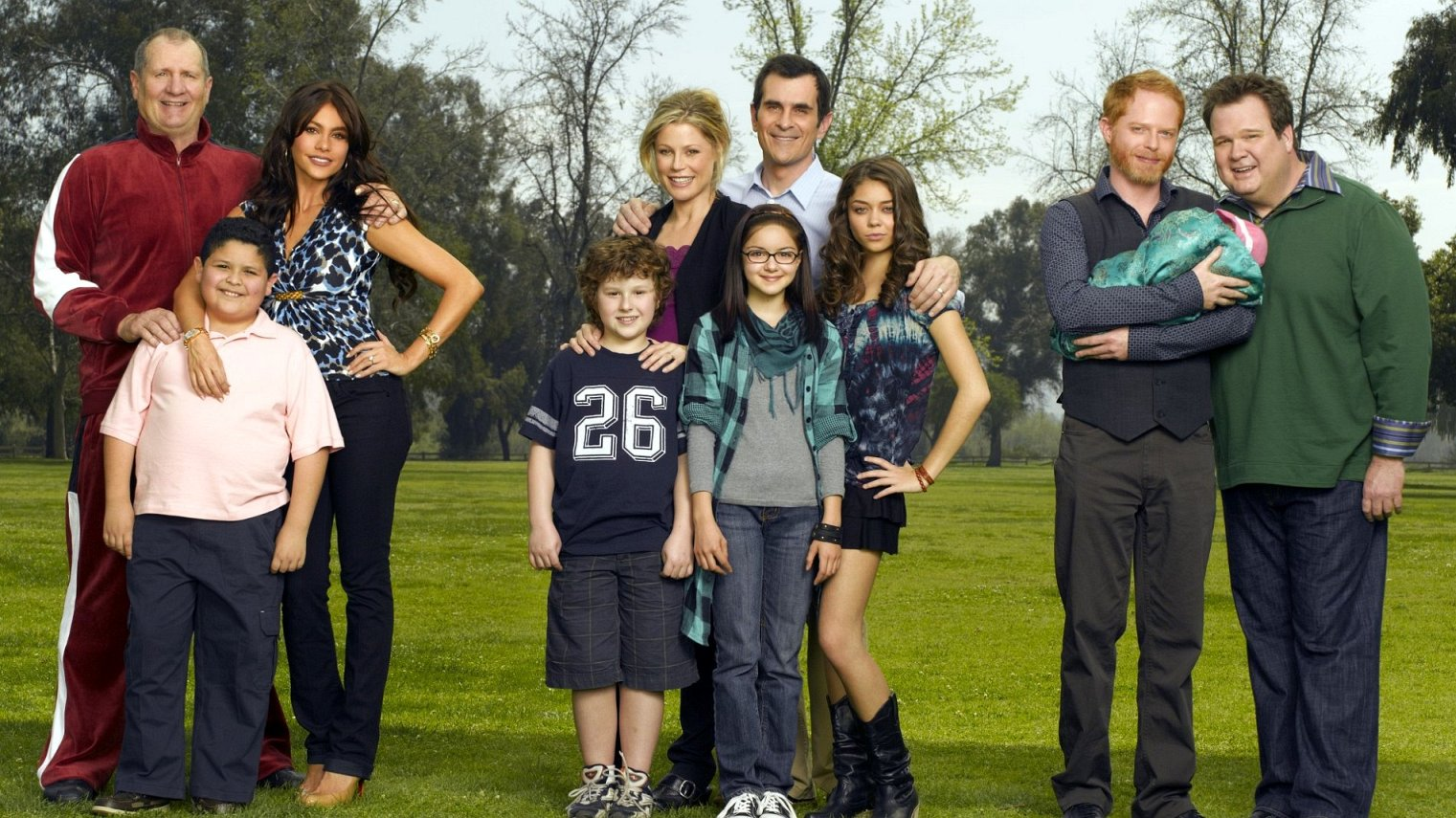 Modern Family S9 episode 16 watch online